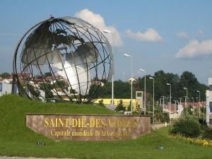 Globe à l'entrée de Saint Dié des Vosges